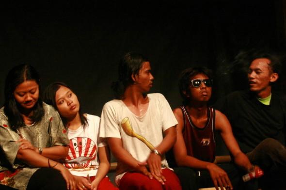 MAAMN insideindonesiaorg | Puisiku Berjalan Menuju Naskah Teater