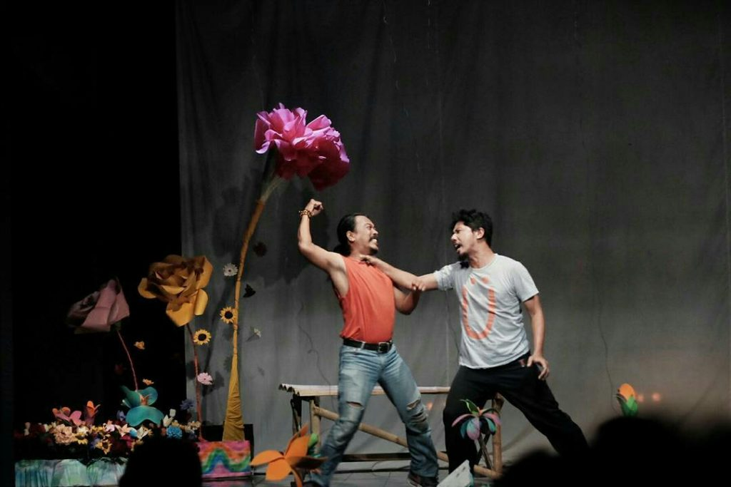 "WhatsApp Image 2017 12 30 at 23.13.041 | Teater ""Sekar Murka"", Bunga dan Refleksi Tentangnya"