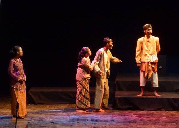 image010 | Upaya Kreatif Tak Berpadu Konsep : Dua ujian akhir Teater SMK 12 Surabaya