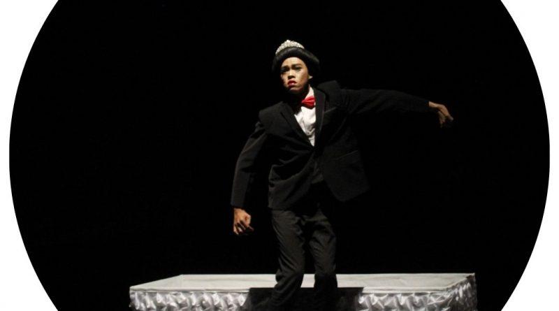 Amongster: Voyage of Lengger, pertunjukan oleh Otniel Tasman