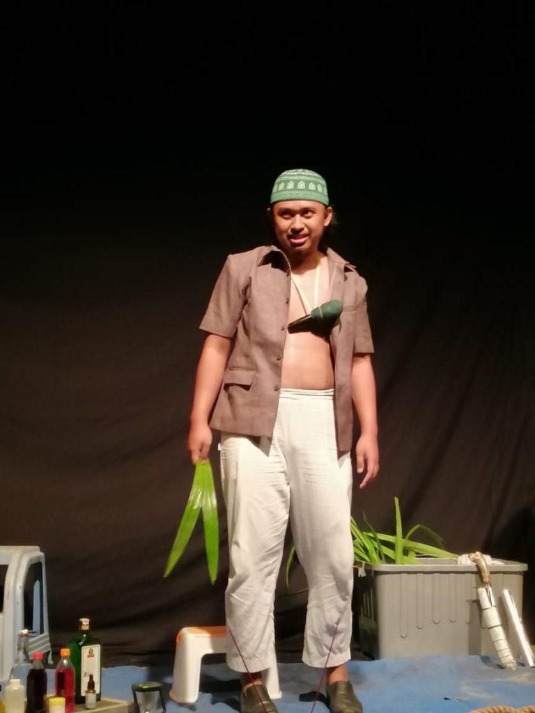 kahfi 1   Tukang Obat dalam Bingkai Gawai : Catatan dari Monolog Tukang Obat oleh Kahfi Nur Asror.